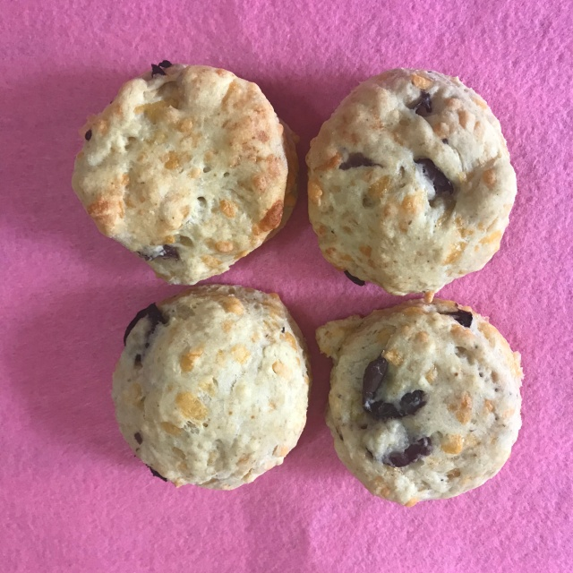 Cheese and olive scones Picture 2